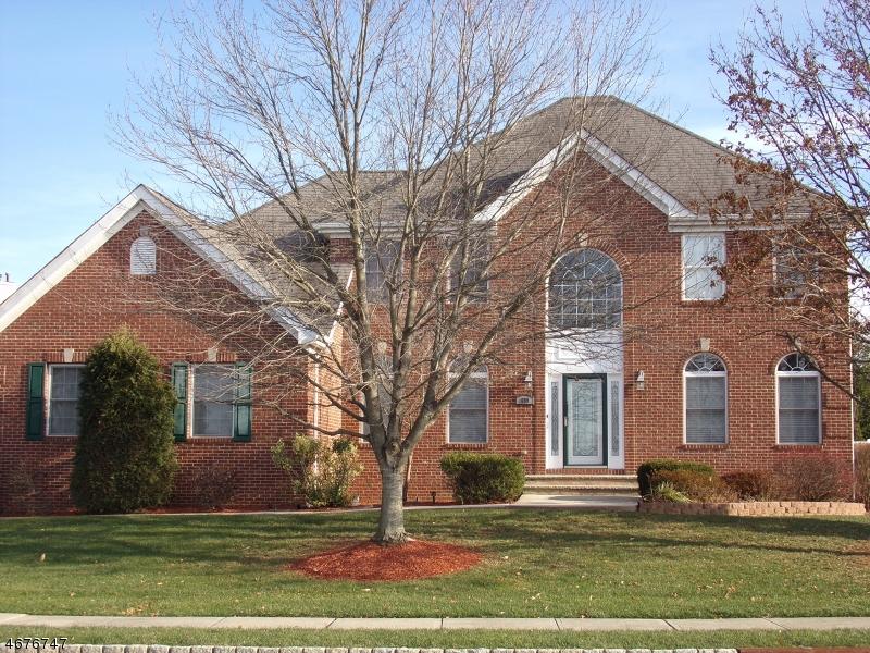 Частный односемейный дом для того Продажа на 699 Fanning Mill Road Stewartsville, 08886 Соединенные Штаты