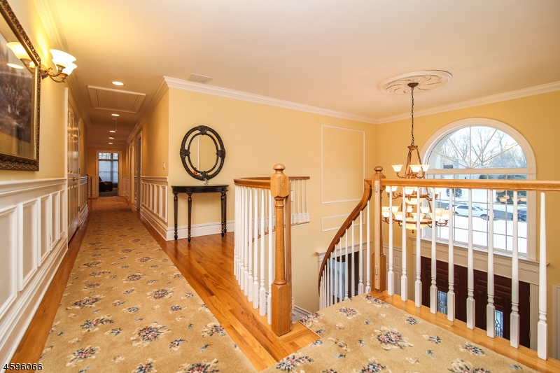 Additional photo for property listing at 9 Carri Farm Court  Scotch Plains, Нью-Джерси 07076 Соединенные Штаты