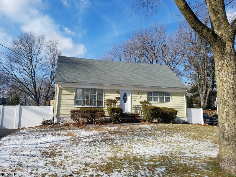 独户住宅 为 出租 在 335 Sherwood Drive 帕拉默斯, 新泽西州 07652 美国