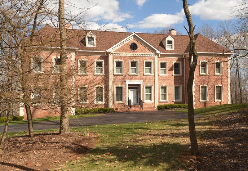 Частный односемейный дом для того Продажа на 78 Rock Rd E Green Brook Township, 08812 Соединенные Штаты