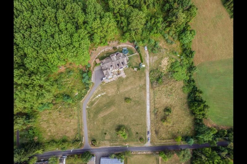 Terrain pour l Vente à 60 Bissell Road Tewksbury Township, New Jersey 08833 États-Unis