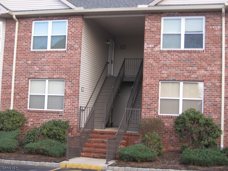 Casa Unifamiliar por un Alquiler en 20 GRACIE Road East Hanover, Nueva Jersey 07936 Estados Unidos