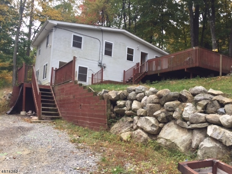 Single Family Home for Rent at 20 Decker Pond Trail Sussex, 07461 United States