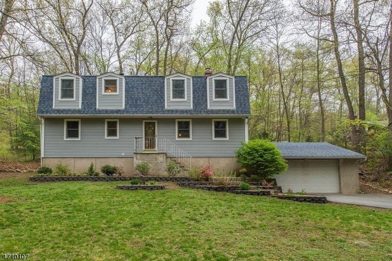 Casa Unifamiliar por un Venta en 29 Red Mine Road Wanaque, Nueva Jersey 07465 Estados Unidos