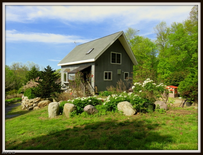 Частный односемейный дом для того Продажа на 901 A FAIRVIEW LAKE LANE WEST Stillwater, Нью-Джерси 07825 Соединенные Штаты