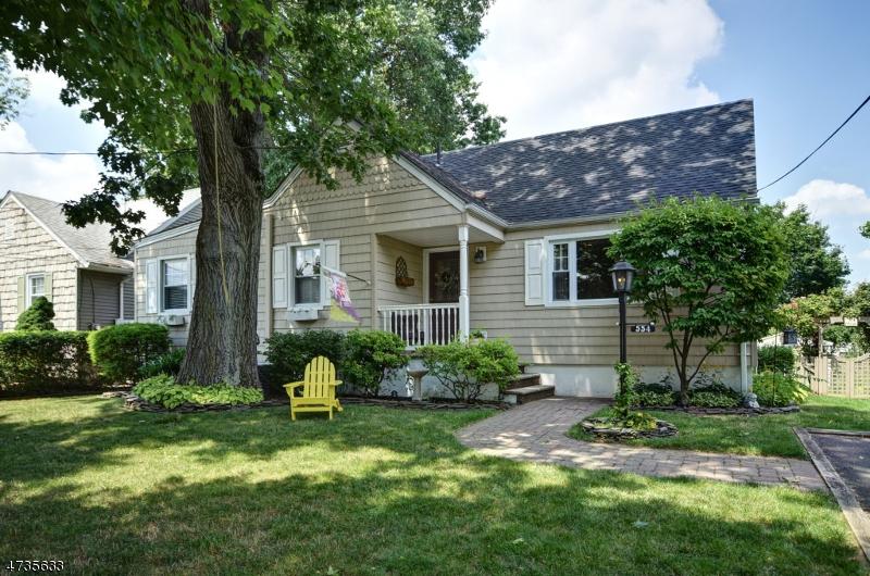 Частный односемейный дом для того Продажа на 554 Myrtle Avenue Garwood, 07027 Соединенные Штаты