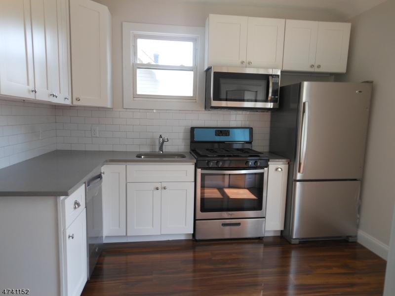 Casa Unifamiliar por un Alquiler en 37 Forest Street Montclair, Nueva Jersey 07042 Estados Unidos