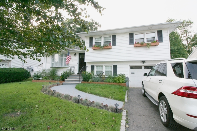 Single Family Home for Rent at 500 Winchester Ave , Union, New Jersey 07083 United States