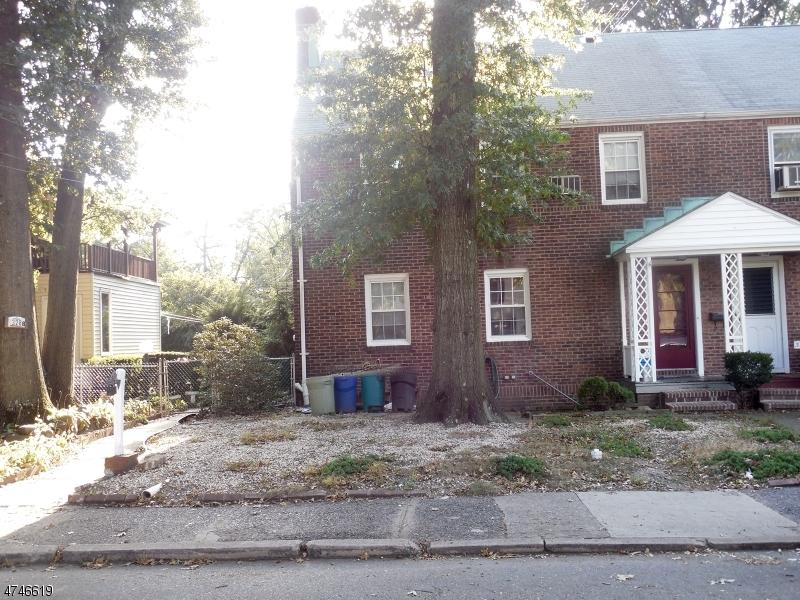 独户住宅 为 出租 在 330 N PLAZA Road 费尔劳恩, 新泽西州 07410 美国