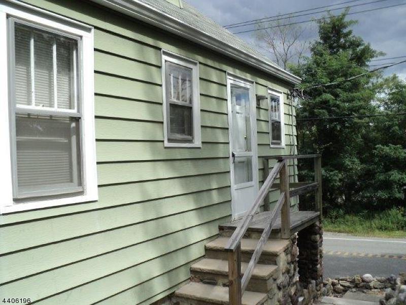 Casa Unifamiliar por un Alquiler en 1925 Greenwood Lake Tpke West Milford, Nueva Jersey 07421 Estados Unidos