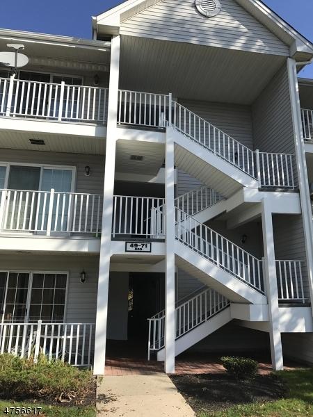 Частный односемейный дом для того Продажа на 69 Amethyst Way Franklin, Нью-Джерси 08823 Соединенные Штаты