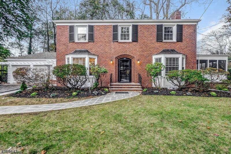 Частный односемейный дом для того Продажа на 349 Fairview Avenue Orange, Нью-Джерси 07050 Соединенные Штаты