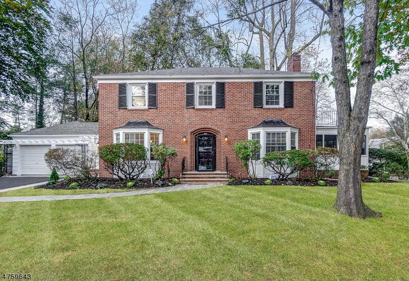 Maison unifamiliale pour l Vente à 349 Fairview Avenue Orange, New Jersey 07050 États-Unis