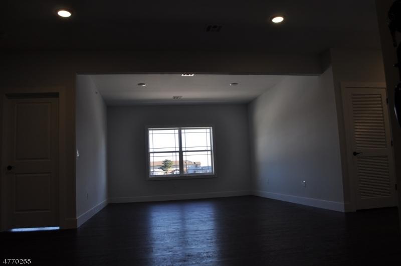 Additional photo for property listing at 607-613 N BROAD Street  Elizabeth, Nova Jersey 07208 Estados Unidos