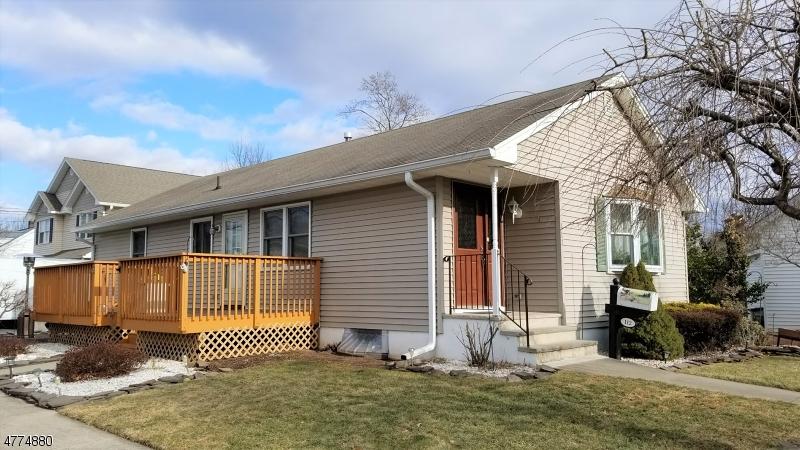 Maison unifamiliale pour l Vente à 112 King Street Manville, New Jersey 08835 États-Unis
