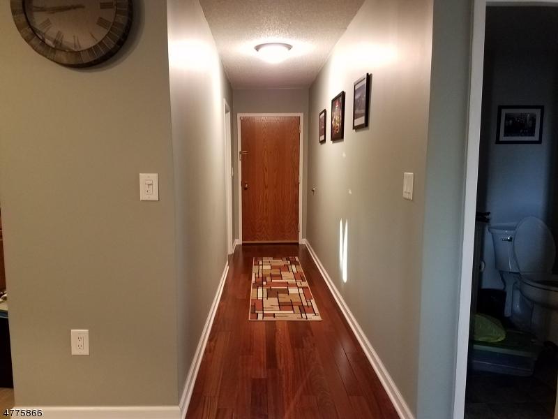 Casa Unifamiliar por un Alquiler en 300 Main St, UNIT 215 Little Falls, Nueva Jersey 07424 Estados Unidos