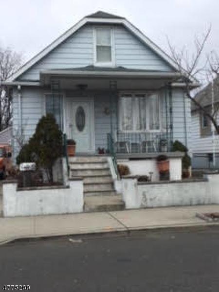 Частный односемейный дом для того Продажа на 23 Sidney Street Lodi, Нью-Джерси 07644 Соединенные Штаты