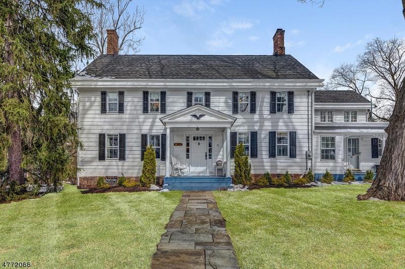 Maison unifamiliale pour l Vente à 81 Parker Avenue Maplewood, New Jersey 07040 États-Unis