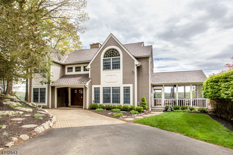 Casa Unifamiliar por un Venta en 27 Golfview Ter Sparta, Nueva Jersey 07871 Estados Unidos