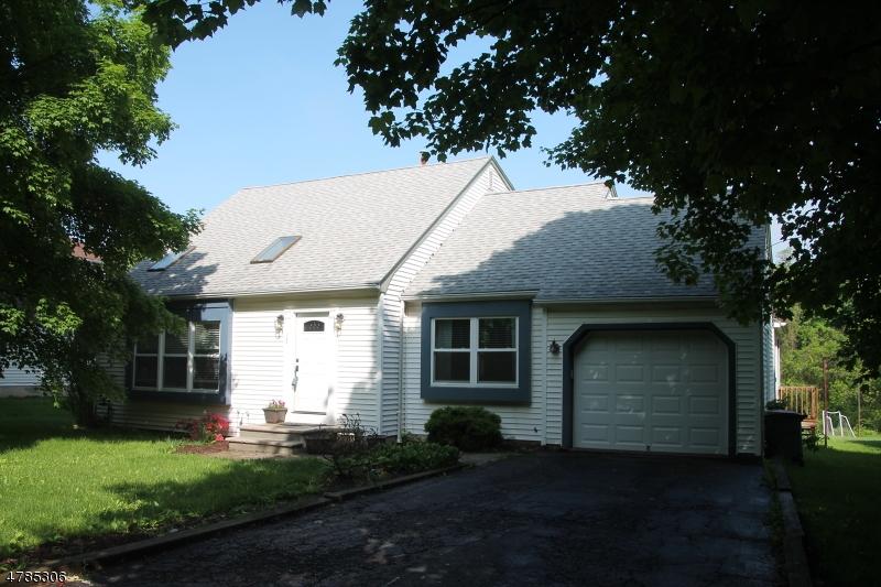 Villa per Vendita alle ore 15 Fawn Run Bloomsbury, New Jersey 08804 Stati Uniti