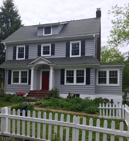 Maison unifamiliale pour l à louer à 119 ALEXANDER Avenue Montclair, New Jersey 07043 États-Unis