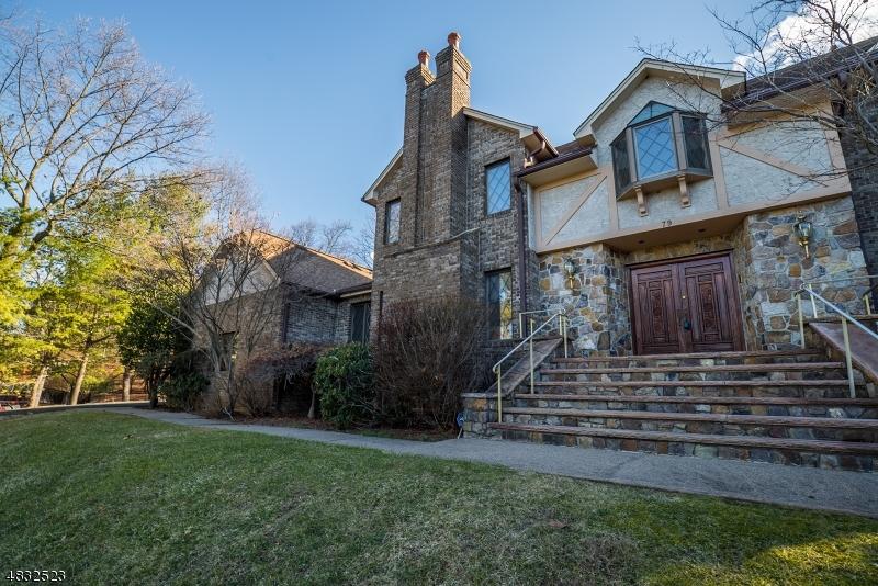 Casa para uma família para Locação às 79 WESTVIEW Road Wayne, Nova Jersey 07470 Estados Unidos