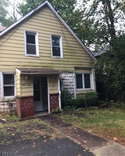 Частный односемейный дом для того Продажа на 64 YESLER WAY Hillsdale, Нью-Джерси 07642 Соединенные Штаты