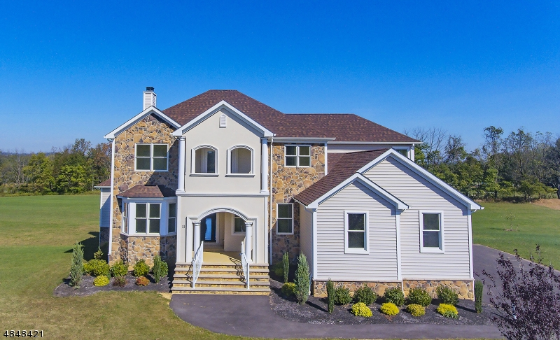 Single Family Home for Sale at 11 GREEN VALLEY WAY 11 GREEN VALLEY WAY Harmony Township, New Jersey 08865 United States