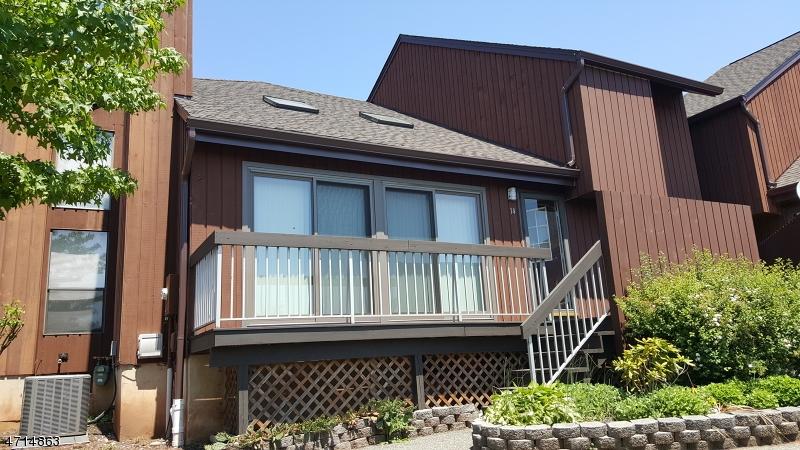 Condo / Townhouse pour l à louer à 40 BLOOMINGDALE Drive Hillsborough, New Jersey 08844 États-Unis