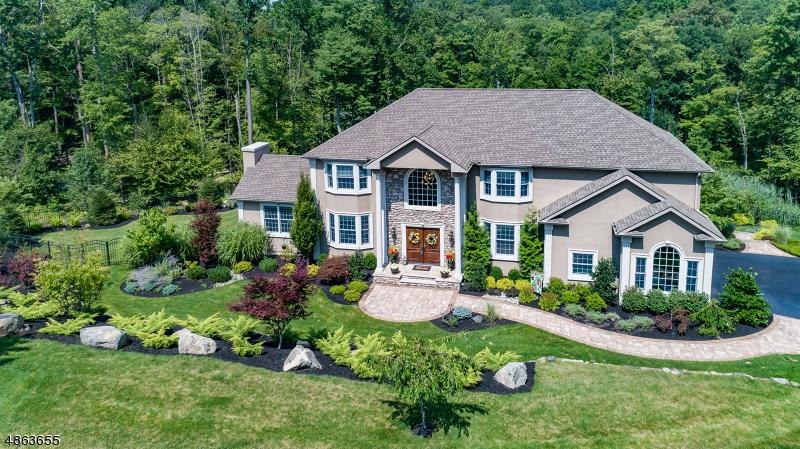 Villa per Vendita alle ore 192 S GLEN Road Kinnelon, New Jersey 07405 Stati Uniti