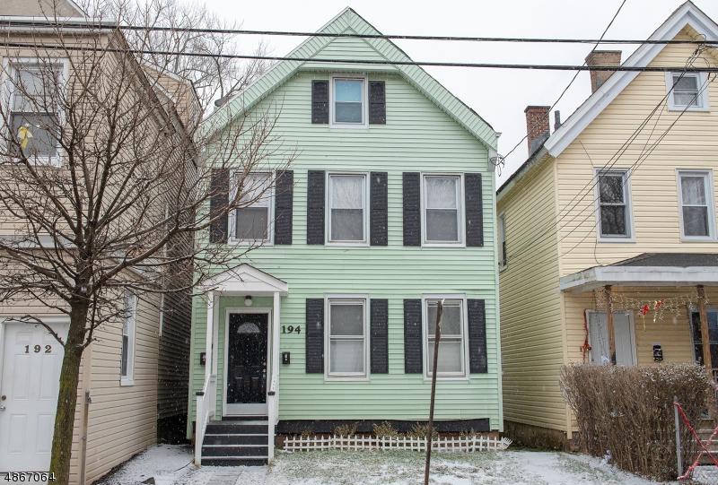 Maison avec plusieurs logements pour l Vente à 194 HICKORY Street Orange, New Jersey 07050 États-Unis