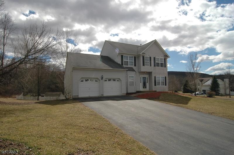 Single Family Home for Sale at 74 Shippen Ridge Road 74 Shippen Ridge Road Oxford, New Jersey 07863 United States