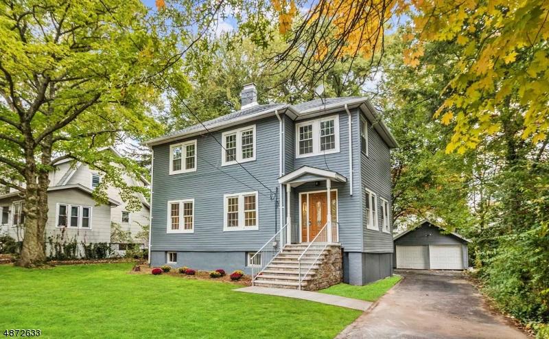 Villa per Vendita alle ore 267 W ENGLEWOOD Avenue Teaneck, New Jersey 07666 Stati Uniti