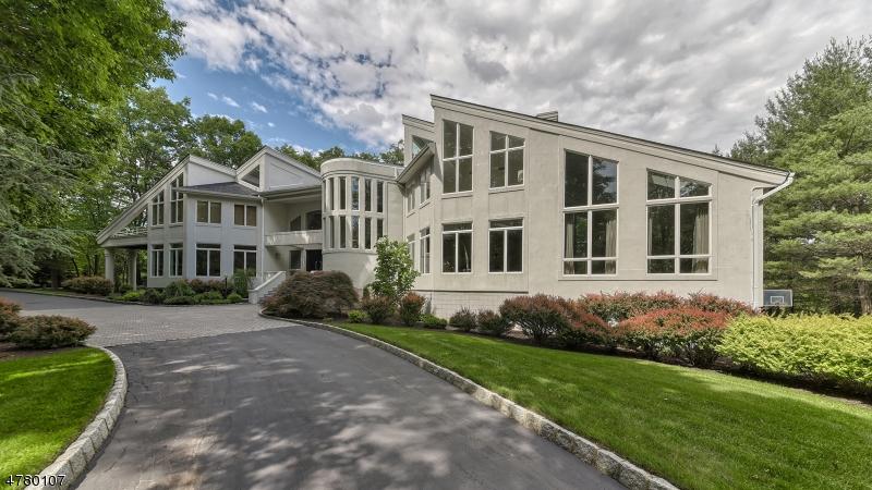 Maison unifamiliale pour l Vente à 817 W SHORE Drive Kinnelon, New Jersey 07405 États-Unis