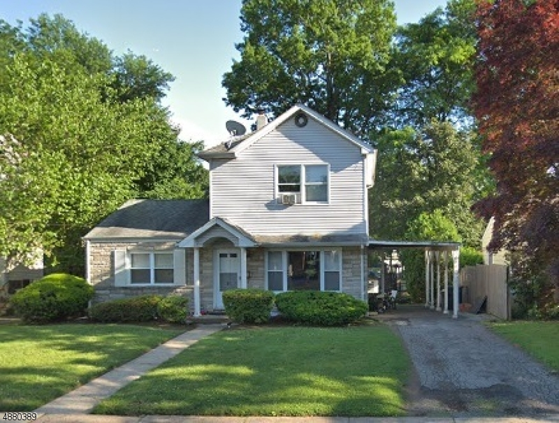Частный односемейный дом для того Продажа на 87 MAPLE Street Bergenfield, Нью-Джерси 07621 Соединенные Штаты