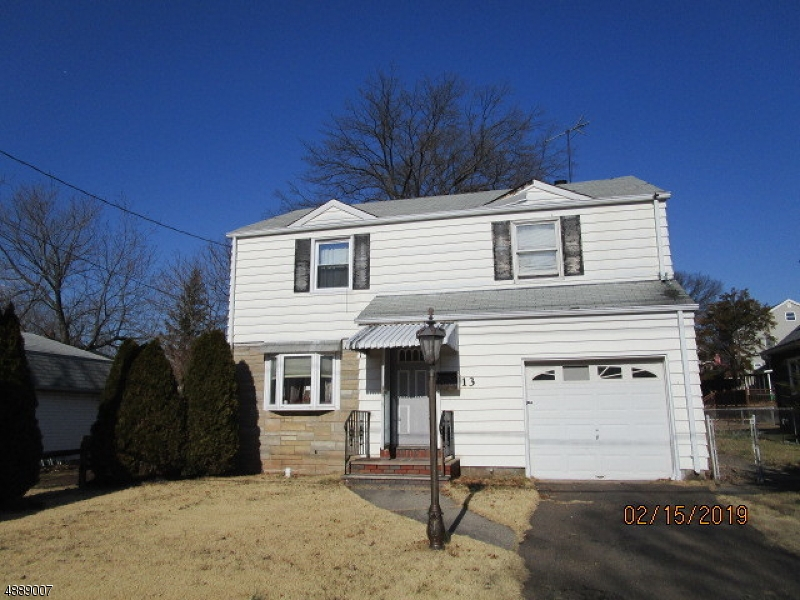 Casa para uma família para Venda às 13 BEECH Street Maywood, Nova Jersey 07607 Estados Unidos