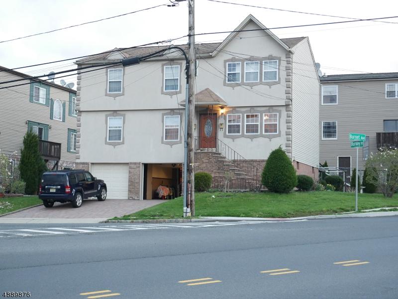 Maison avec plusieurs logements pour l Vente à 43 BURKLEY Place Union Township, New Jersey 07083 États-Unis