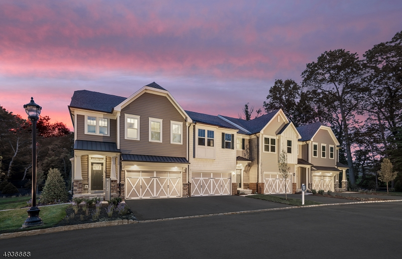 Condo / Townhouse for Sale at Woodcliff Lake, New Jersey 07677 United States