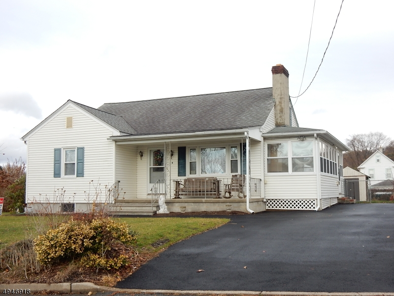 Single Family Homes para Venda às Netcong, Nova Jersey 07857 Estados Unidos