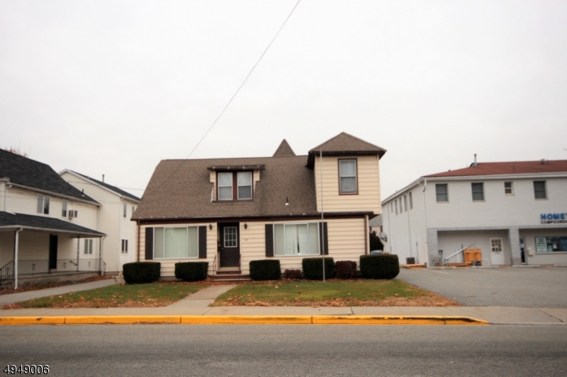 Multi-Family Homes للـ Sale في Bloomingdale, New Jersey 07403 United States