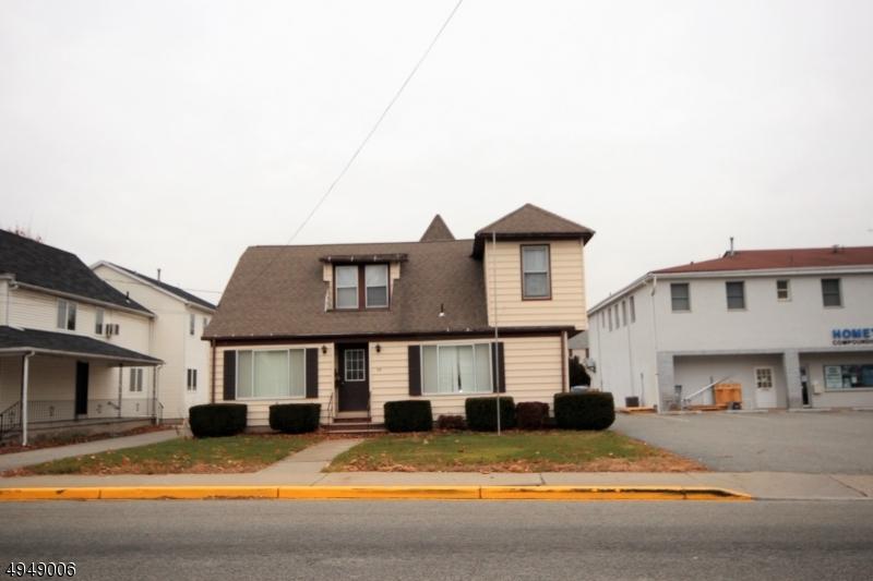 Multi-Family Homes для того Продажа на Bloomingdale, Нью-Джерси 07403 Соединенные Штаты