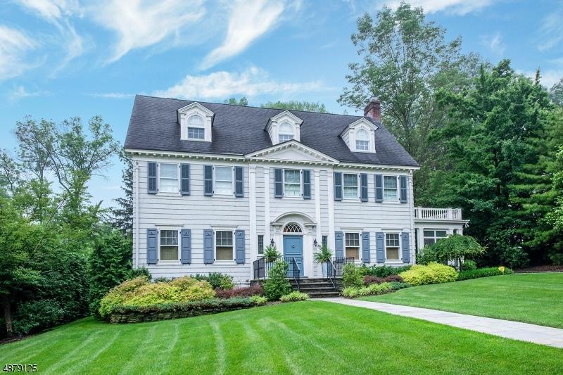 Single Family Homes для того Продажа на Montclair, Нью-Джерси 07042 Соединенные Штаты