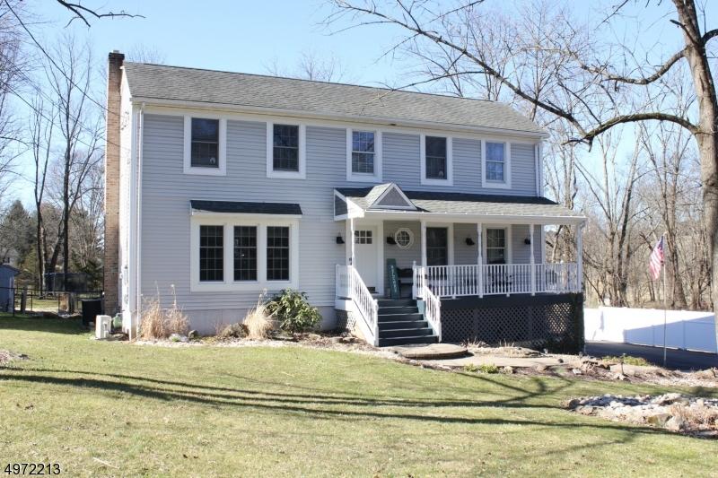 Single Family Homes por un Venta en 10 CLAREMONT Road Mansfield, Nueva Jersey 07840 Estados Unidos