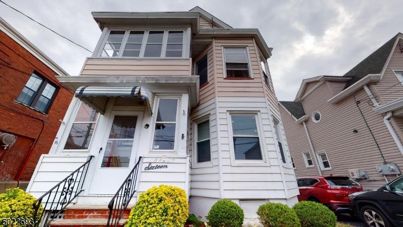 Multi-Family Homes för Försäljning vid Totowa Boro, New Jersey 07512 Förenta staterna