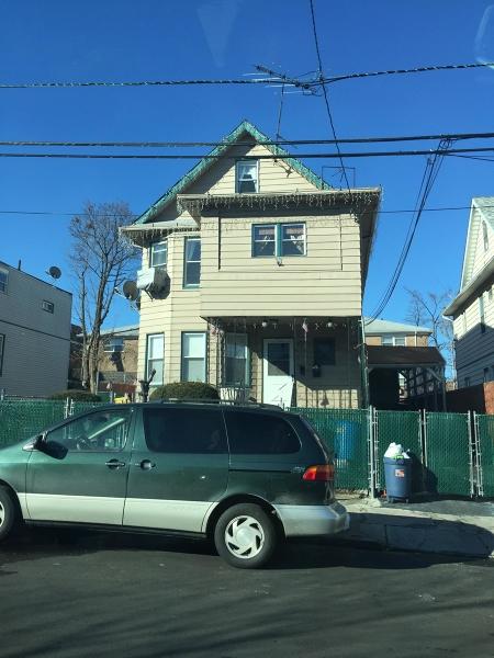 Maison avec plusieurs logements pour l Vente à 960 E 25th Street Paterson, New Jersey 07513 États-Unis