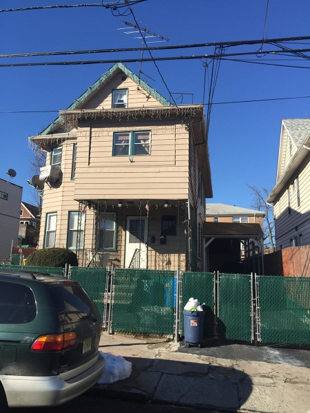 Additional photo for property listing at 960 E 25th Street  Paterson, New Jersey 07513 États-Unis