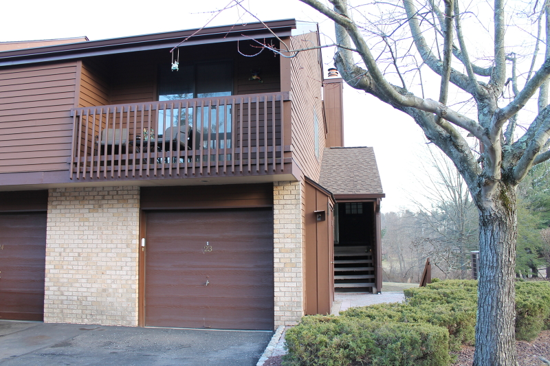 Additional photo for property listing at 24 Meadowview Drive  Annandale, New Jersey 08801 États-Unis