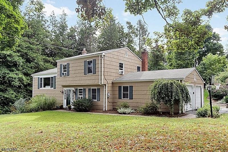 独户住宅 为 销售 在 57 Prospect Street 伯纳兹维尔, 新泽西州 07924 美国
