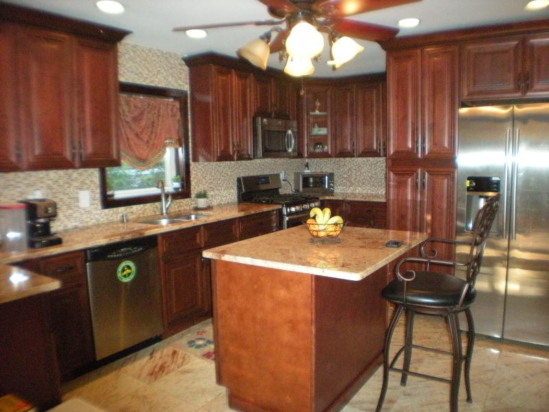 Casa Unifamiliar por un Venta en 370 Larch Avenue Bogota, Nueva Jersey 07603 Estados Unidos