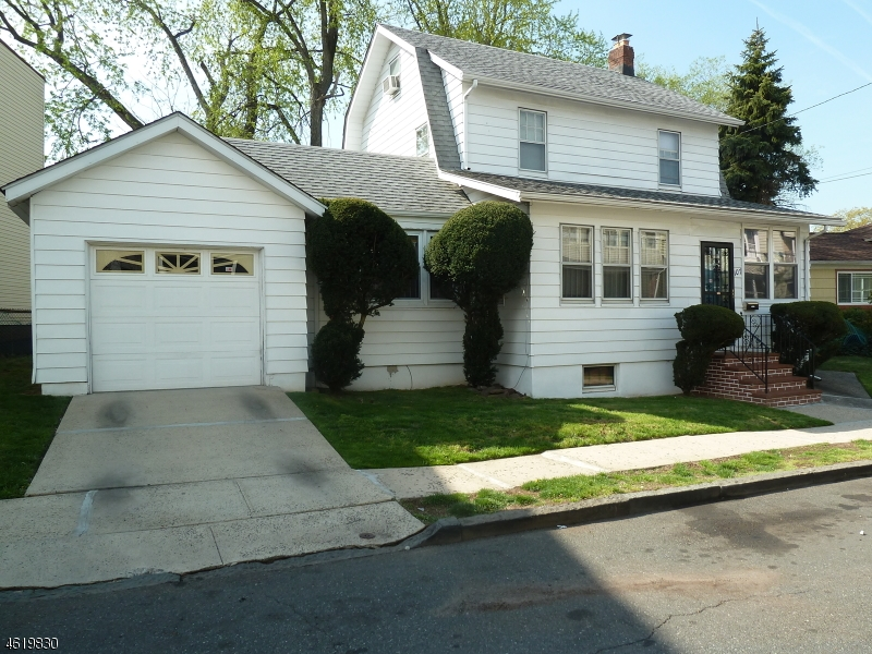 Additional photo for property listing at 107 Rosehill Place  Irvington, New Jersey 07111 États-Unis